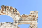 Part of Hadians Temple in the old ruins of the city of Ephesus i — Stock Photo