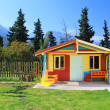 Children's play house in a yard - Foto de Stock