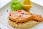 Trancio di salmone alla griglia — Foto Stock
