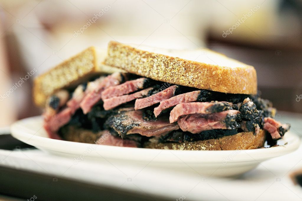 New York City food, Pastrami on rye sandwich served in a diner. — Stock Photo #11414729
