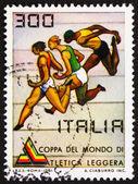 切手イタリア 1981年ワールド カップのレースを示しています — ストック写真