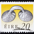 Foto Stock: Postage stamp Ireland 1991 Gold Dress Fastener