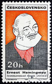 Postzegel tsjecho-slowakije 1968 karikatuur van ernest hemingway — Stockfoto