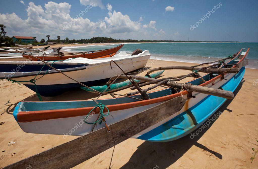 шри ланка аренда лодки