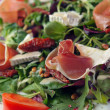 Brie cheese salad with ham and vegetables — ストック写真
