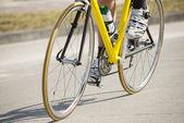 Mannelijke atleet fietsten — Stockfoto