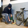 Bike thief — Stockfoto
