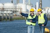 Petrokemiska ingenjörer — Stockfoto