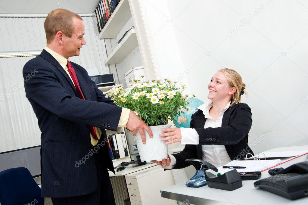 Начальница и сотрудник видео бесплатно фото 140-929