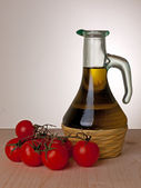 Olive oil and tomatoes, Mediterranean diet still life — Stock Photo