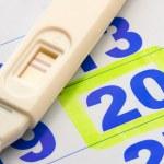 Positive pregnancy test — Stock Photo