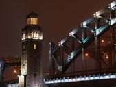 Wieża piter wielki most — Zdjęcie stockowe