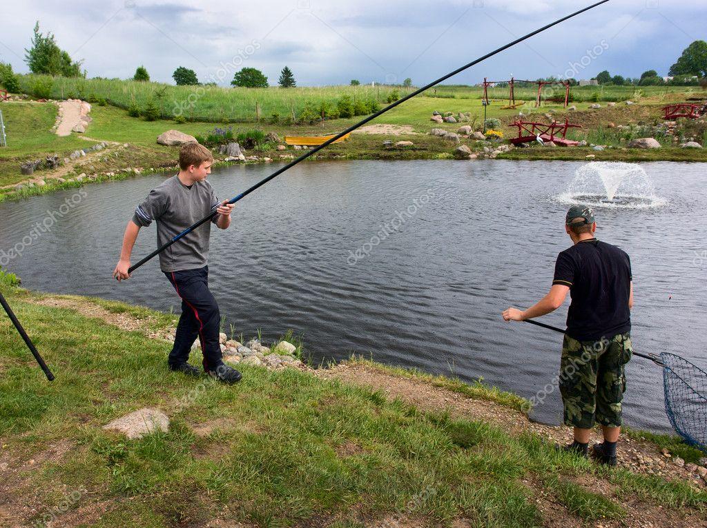 кто может ловить рыбу на арендованном пруду
