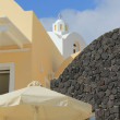 Church behind house, Santorini, Greece — Stock Photo
