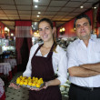Small business: owner of a cafe and waitress — Stockfoto