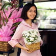 Small business owner: woman and her flower shop — Foto Stock