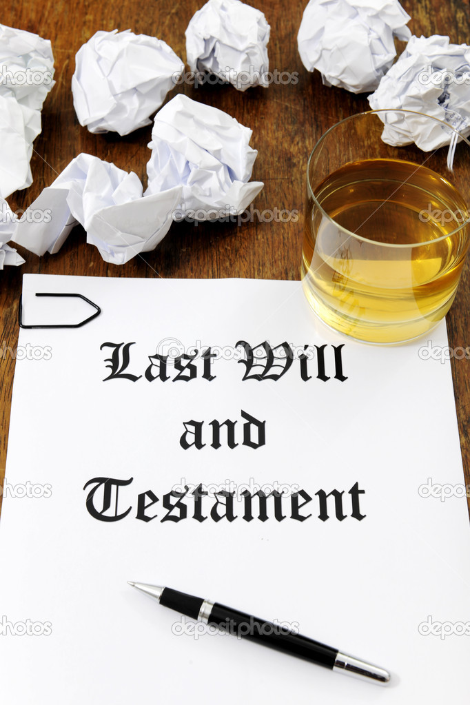 Last Will and Testament  and glass of whiskey on a wooden desk — Stock Photo #11218844