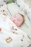 Little baby sleeping in bed — Foto Stock