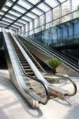 Escalier mécanique en mouvement — Photo