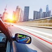Traffice thourgh big city — Stock Photo