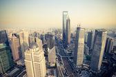 Vogelperspectief uitzicht shanghai financiële centrum in de schemering — Stockfoto