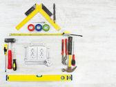 Hulpprogramma's in de vorm van huis — Stockfoto
