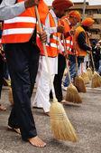 シーク教の信者を掃引道はだしでブレシア 2012 baisakhi 祭 — ストック写真