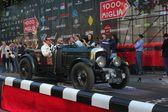 2012 1000 miglia başlangıcında inşa 1929 supercharged koyu yeşil bentley 4.5 litre — Stok fotoğraf