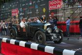 Dark green Bentley 4.5 litres supercharged built in 1929 at the start of 2012 1000 Miglia — Zdjęcie stockowe