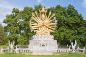 Multi armed buddha 03 — Stock Photo