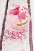 Cupcake för en född flicka — Stockfoto