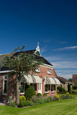Typical farmhouse in Holland — Stock Photo