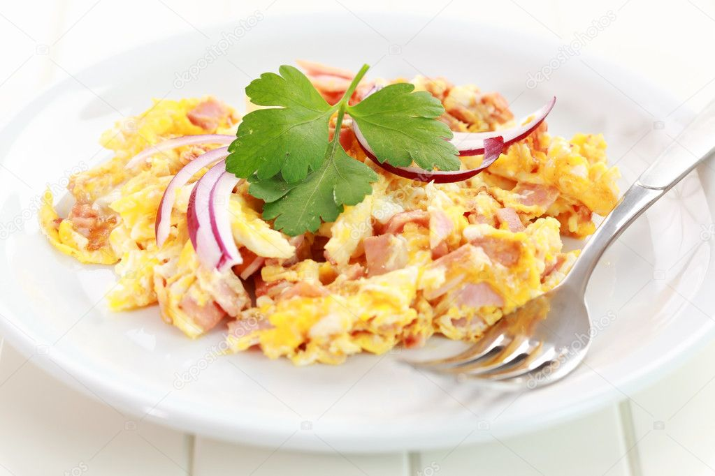 Scrambled eggs with ham and onion — Stock Photo #11083839