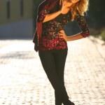 vrouw in de straat — Stockfoto #11808806