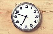 ретро настенные часы — Стоковое фото