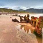 Ship wreck on Irish beach — Stock Photo