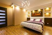 Intérieur moderne chambre à coucher principale — Photo