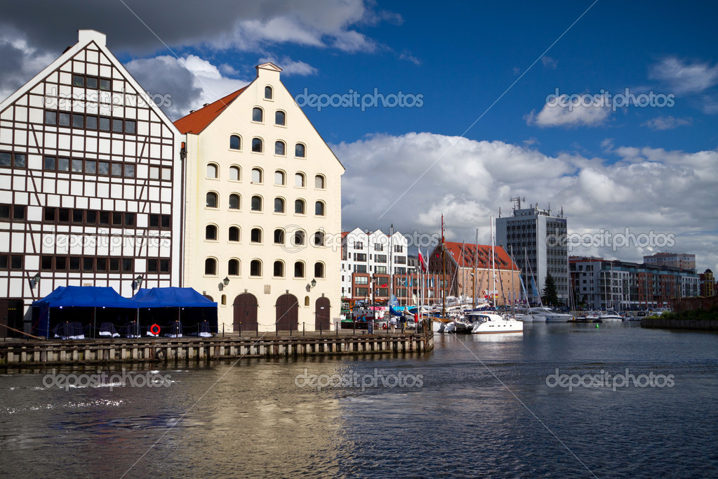 Motlawa river side in old town of Gdansk, Poland — Stock Photo #11829672