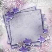Fond de printemps avec des fleurs et des cartes de voeux — Photo