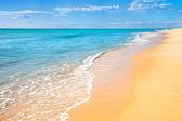 Praia de areia água fundo — Foto Stock