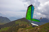 SANTS, SWITZERLAND - May 27: Competitor Natalya Petrova from Russia of the Swiss Masters hang gliding competitions takes part on May 27, 2012 in Sants, Switzerland — 图库照片