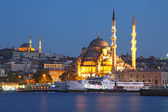 Amazing lighting Istanbul after suncet, evvening, Turkey — Stock Photo