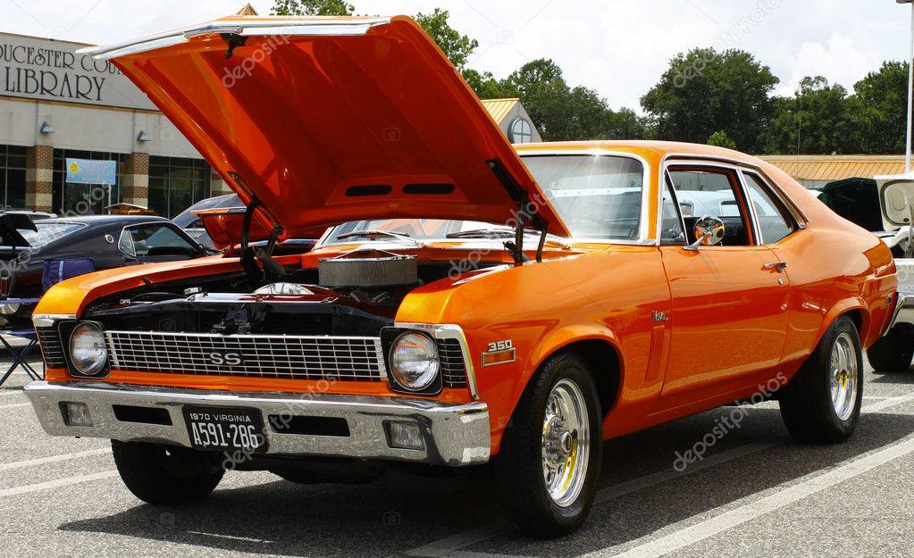 Autos deportivos, roadsters y los últimos modelos de