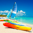 Boats for rent at a tropical beach in Cuba — Stock Photo