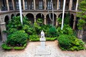 Spanish colonial palace in Havana — Stock Photo