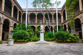 Spanish colonial palace in Havana — Stock Photo