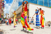 Group of street dancers in Old Havana — Stock Photo