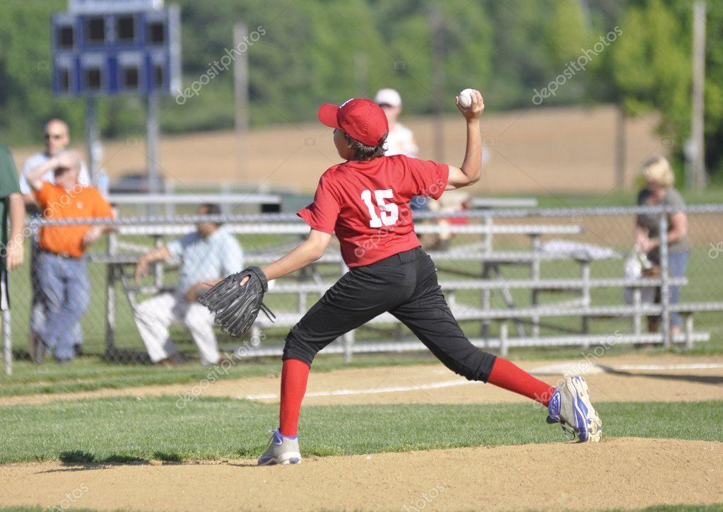 ways to avoid injuries during playing baseball