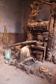 Traditionelle olivenpresse — Stockfoto
