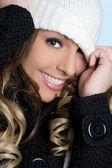 美丽的冬天女孩 — 图库照片